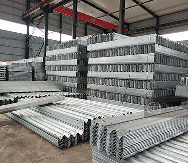 Galvanized Guardrail Beams in Stock