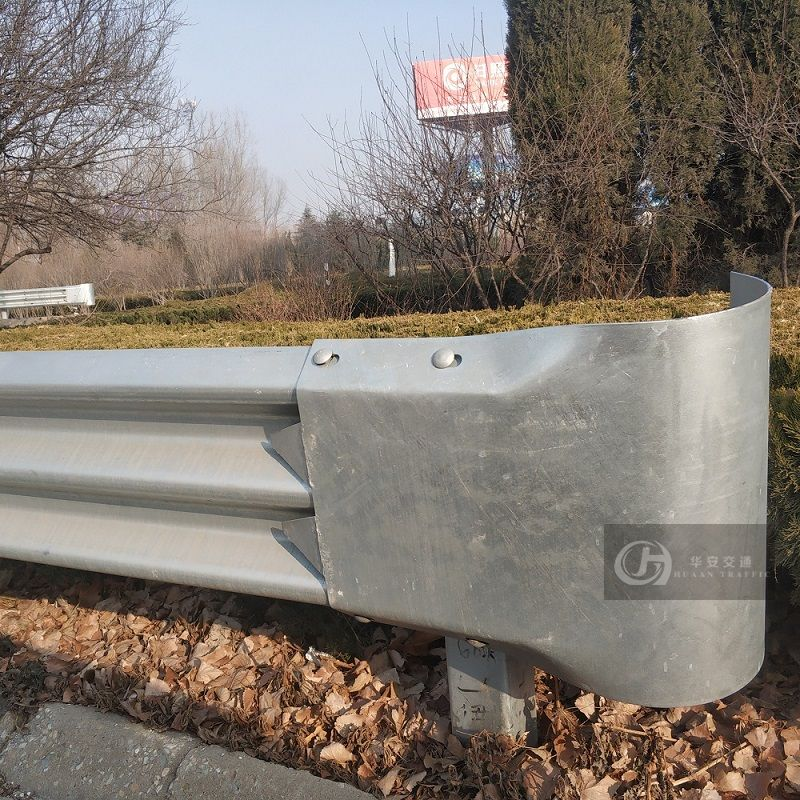 Roadway guardrail round r160 end section