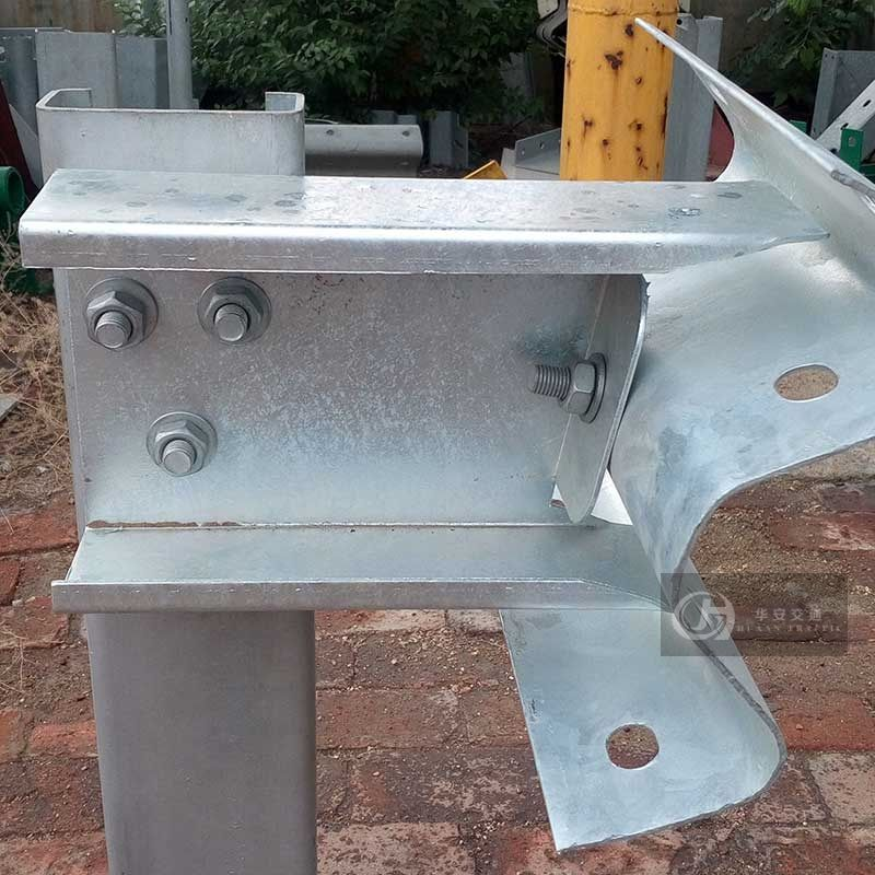 Special guardrail spacer block for Latin American road