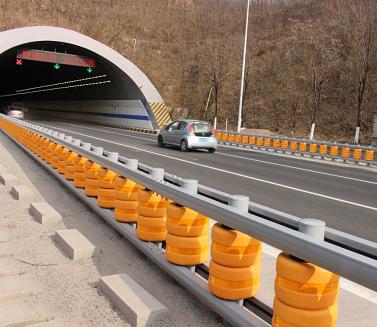 Safety roller rolling guardrail crash barrier